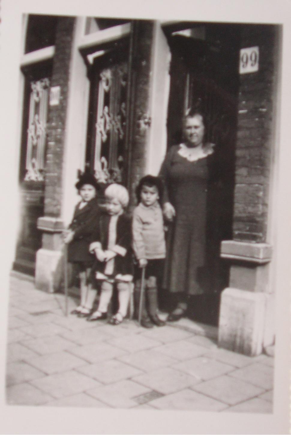 ma Jonker, Van Kinsbergenstraat 99, Den Haag